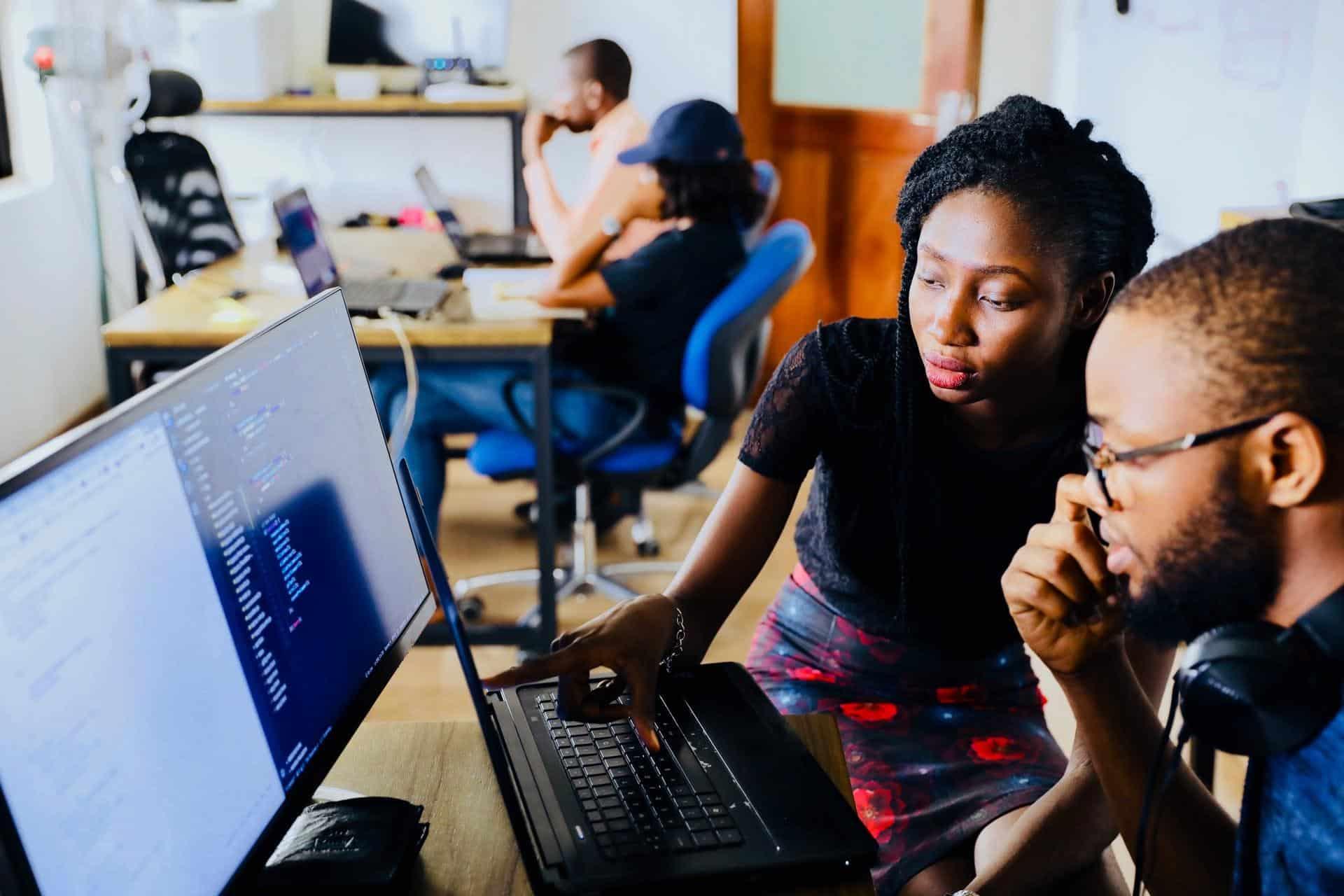 computer-employees-data